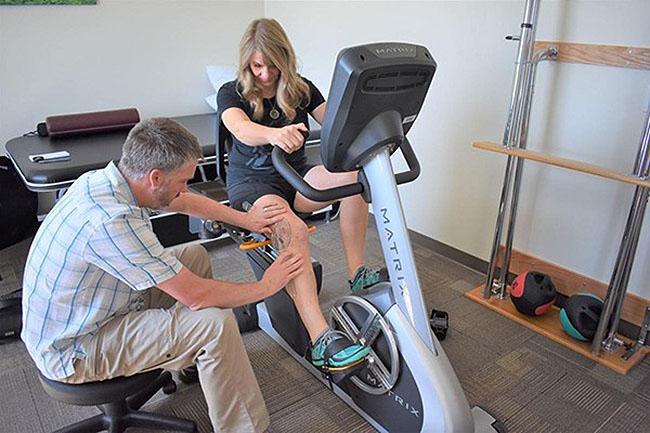 phục hồi chức năng vận động với xe đạp