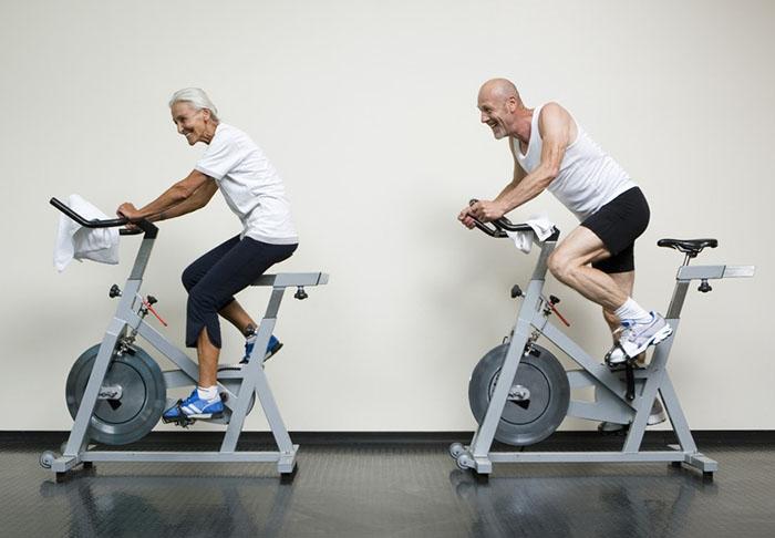 Tư vấn lựa chọn xe đạp tập thể dục phù hợp cho người cao tuổi