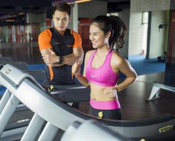 giảm cân với máy chạy bộ
